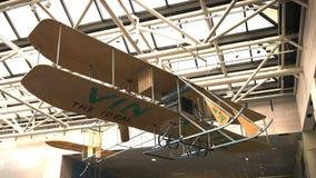Vin费兹飞行物在1911成为飞行的第一架飞机全国范围的一架早期的莱特兄弟模型前推者双翼飞机 影视素材