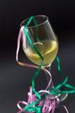 Vin blanc dans une glace Image libre de droits