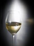 vin blanc en verre Images libres de droits