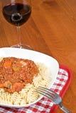 Vin bolonais et rouge de pâtes Image stock