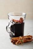 Vin chaud de Noël avec l'épice photos libres de droits