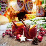Vin chaud sur le markt allemand de christkindl Photo stock