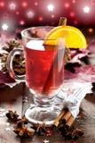 Vin chauffé frais avec l'orange Photographie stock