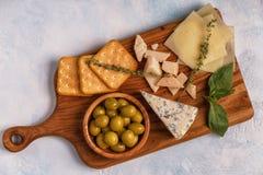 Vin d'olives de biscuit de fromage Photo stock