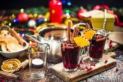 Vin de chauffage chaud chauffé par portion Photo stock