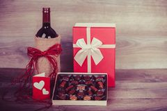 Vin et chocolats Image stock