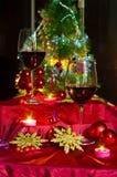 Vin et décorations pour Noël images libres de droits