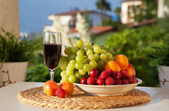 Vin et fruit images stock