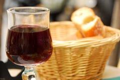 Vin et pain Photos libres de droits