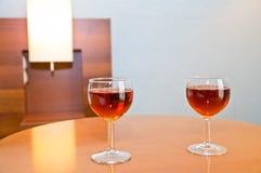 Vin för två exponeringsglas - drink Arkivfoto