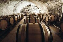 Vin i stora trummor Fotografering för Bildbyråer