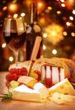 Vin med ost arkivbild