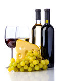 Vin, ost och druvor royaltyfria foton