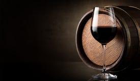 Vin på brunt royaltyfria bilder