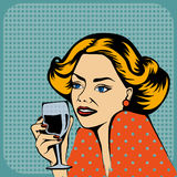 Vin potable de femme Photo stock
