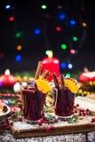 Vin rouge chauffé chaud de fête servant Image libre de droits