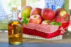 Vinagre de sidra de maçã Fotografia de Stock
