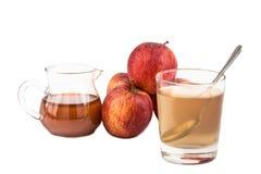 Vinaigre de cidre d'Apple, un remède à la maison pour l'inflammation de goutte images stock