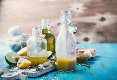 Free Vinaigrette And Ingredients, Salad Dressing With Oil, Vinegar Stock Photo - 71652960