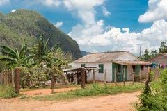 Vinales谷的典型的土气木房子 免版税库存照片