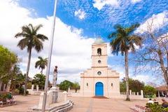 VINALES,古巴- 2017年5月13日:教会的看法在镇中心 复制文本的空间 免版税图库摄影