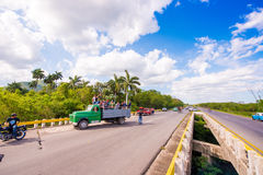 VINALES, ΚΟΥΒΑ - 13 ΜΑΐΟΥ 2017: Κουβανικός ιππόδρομος στο treasse Διάστημα αντιγράφων για το κείμενο Στοκ Εικόνες