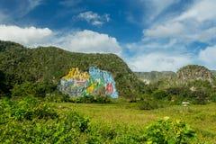 Vinales, Cuba - 3 dicembre 2017: Mural de la Prehistoria Vinales, Cuba fotografia stock libera da diritti