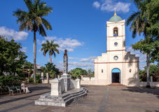 Vinales kyrka och fyrkant Royaltyfri Foto