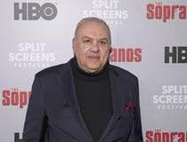 Vince Curatola atende 'ao evento dos sopranos imagens de stock