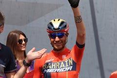 Vincenzo Nibali van het team van Bahrein Merida Pro Cycling op het podium van het zesde stadium van de 102th stock afbeelding