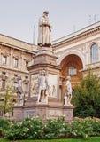 vinci för da-leonardo-monument royaltyfri bild