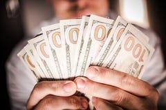 Vincitore del denaro contante del casinò Immagine Stock