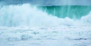 Vind för vatten för sprej för våghavsbränning arkivfoton