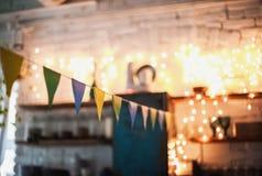 Vind-huset dekoreras för påsk Påskdekorhem arkivbild