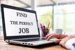 Vind Perfect Job Concept On Laptop Screen royalty-vrije stock foto's