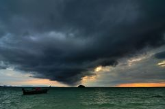 Vinda da tempestade da chuva Fotografia de Stock Royalty Free