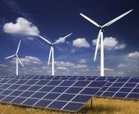 Vindkraft och sol- energi Royaltyfri Foto