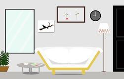 Vindstilinre av vardagsrummet med vitt soffamöblemang Arkivfoto