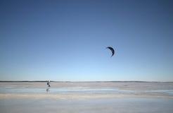 Vindsurfa i vinter Fotografering för Bildbyråer