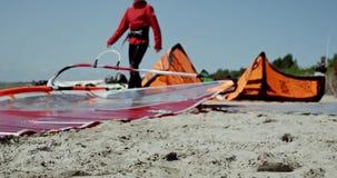 Vindsurfa strandsand 4k arkivfilmer