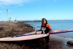 Vindsurfar surfaregrupp Fotografering för Bildbyråer