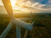 Vindturbin, begrepp för vindenergi royaltyfria foton
