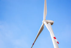 Vindturbin för alternativ energi Arkivfoto