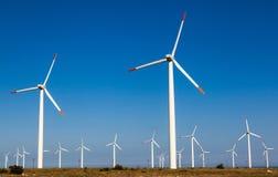 Vindturbin, förnybara energikällor Arkivfoton
