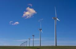Vindturbiner i eolic parkerar Royaltyfri Bild