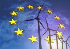 Vindturbiner på bakgrunden av flaggaEU Europa Arkivfoto