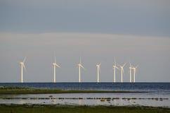 Vindturbiner på kusten Royaltyfri Fotografi