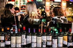 Viner på restaurang Arkivbild