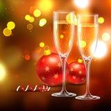Vinexponeringsglas med julbollen Royaltyfri Foto