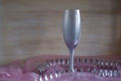 Vinexponeringsglas på en ljus bakgrund Arkivfoto